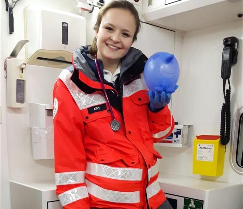 Rettungssanitäterin  In der Freizeit Leben retten - accadis Hochschule Bad Homburg